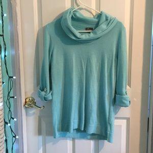 Semi long sleeve shirt (fits like a large)
